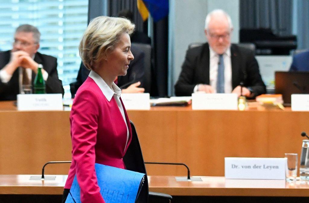 Ursula von der Leyen ist zurück aus Brüssel – um vor dem Untersuchungsausschuss zur Berateraffäre auszusagen. Foto: AFP