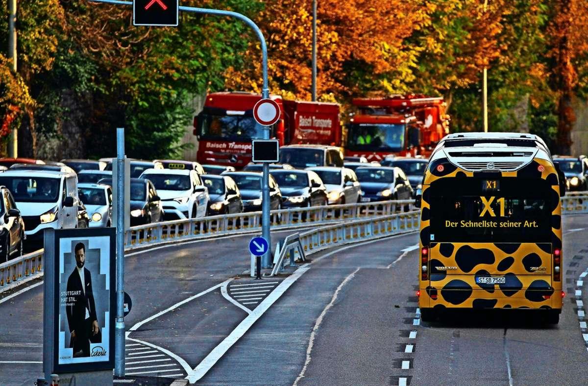 Um den X-1-Bus  wird weiter  gestritten. Foto: Lg/Leif-Hendrik Piechowski