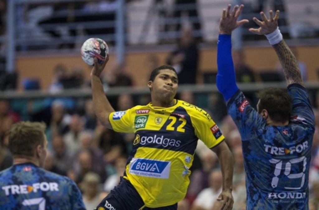 Die  Rhein-Neckar-Löwen (hier Mads Mensah Larsen) haben am Sonntag in der Handball-Champions-League auch gegen Kolding gewonnen. Foto: Scanpix Denmark