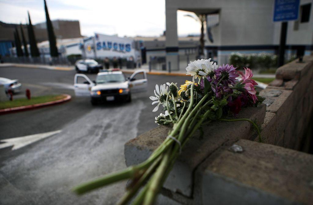 Ein 16-Jähriger hatte am Donnerstag in seiner Schule bei Los Angeles das Feuer eröffnet und zwei Mitschüler erschossen. Foto: AFP/MARIO TAMA