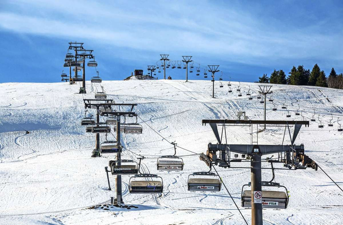 Am Feldberg herrschen Ideale Voraussetzungen für den Wintersport, doch die Lifte stehen still (Archivbild). Foto: picture alliance/dpa/Philipp von Ditfurth