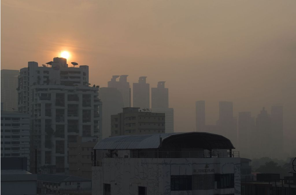 Die acht Millionen Menschen leiden seit Beginn des Jahres unter extrem schlechter Luft. Foto: AFP