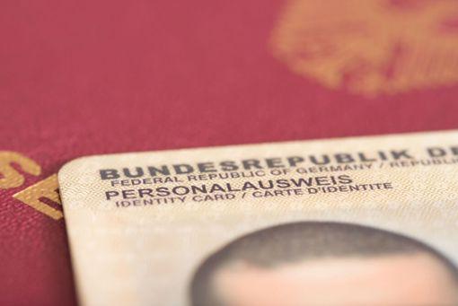 Wie lange darf ein Personalausweis abgelaufen sein?