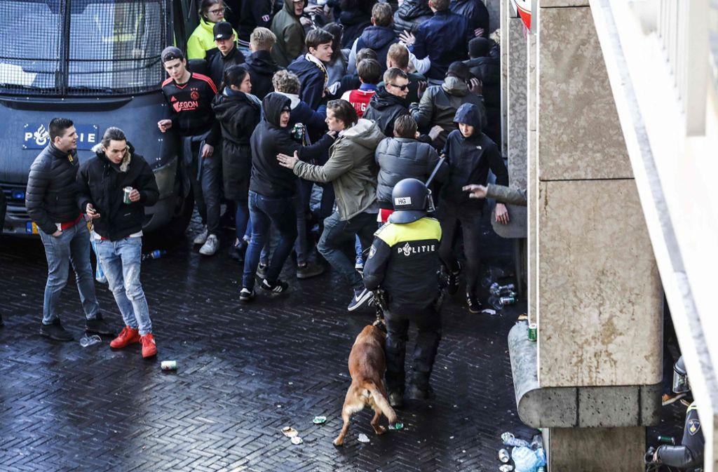 Festnahmen vor dem Champions-League-Rückspiel von Ajax Amsterdam gegen Juventus Turin (Archivbild) Foto: ANP