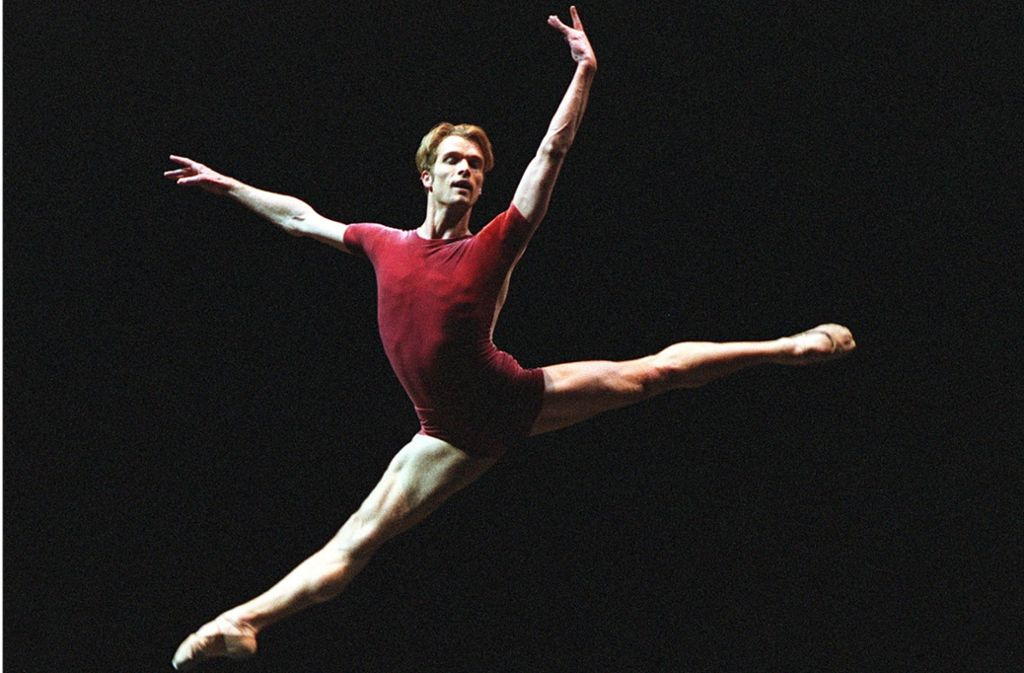 Robert Tewsley brachte sich nach einem Rückenproblem mit Gyrotronic wieder in Top-Form. Foto: Stuttgarter Ballett