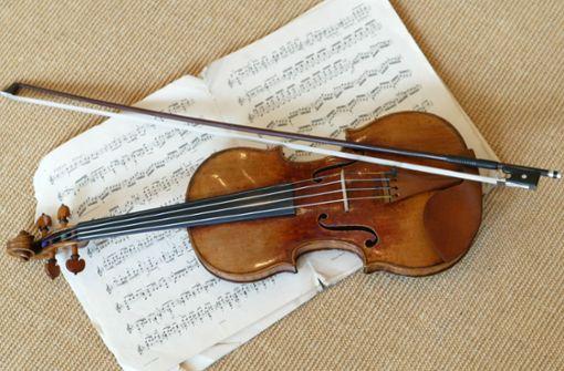 Musiker vergisst wertvolle Violine im Zug