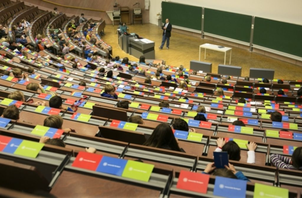 Die Vorlesung von Albrecht Schmidt stößt auf reges Interesse. Foto: Rudel