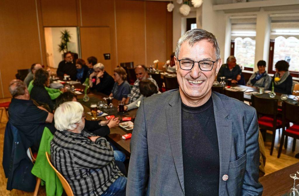 Zu Besuch bei alten Bekannten und Mitstreitern: Der Linkenvorsitzende Bernd Riexinger im Gemeindehaus Foto: factum
