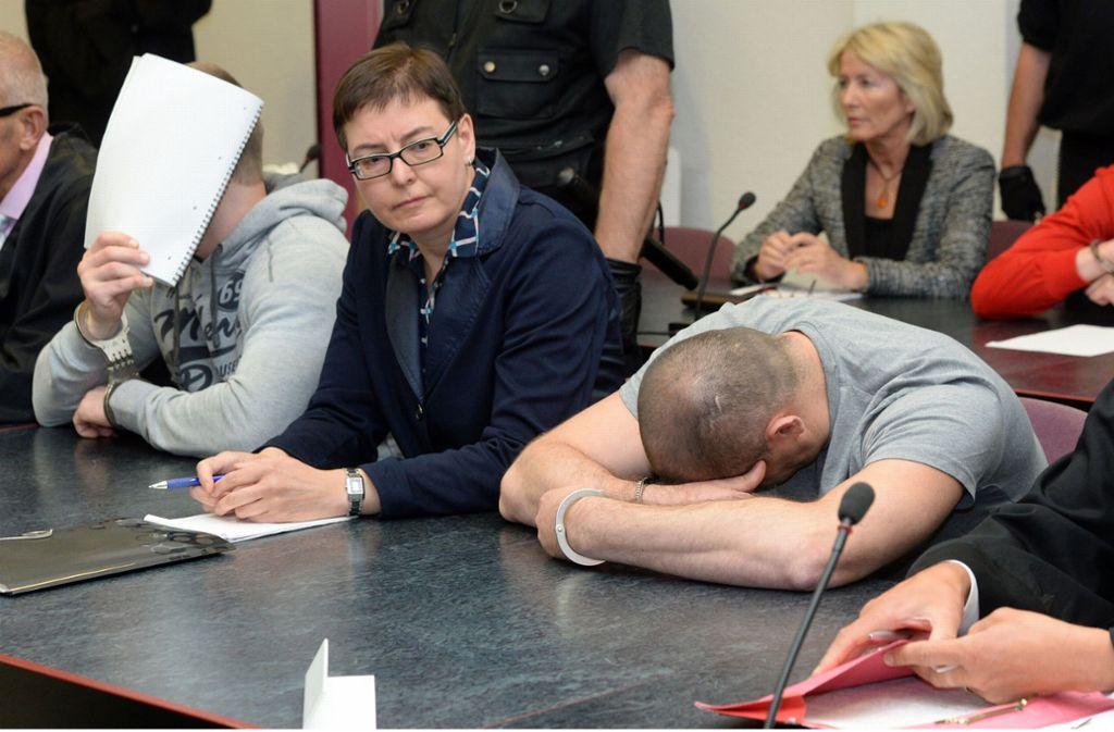 Drei Männer sollen  den 39-jährigen Münchner überfallen, in einen Wald verschleppt und ausgeraubt haben (Archivbild) Foto: dpa/Hendrik Schmidt