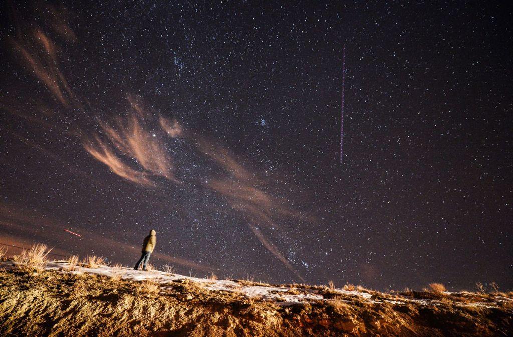 Am 13. Dezember 2017 konnte man bei der Stadt Van an der türkisch-iranischen Grenze einen fantastischen Meteor-Schauer bestaunen. Foto: dpa/Ozkan Bilgin
