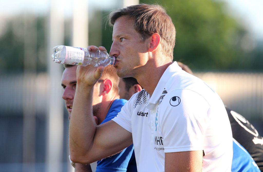 Kickers-Trainer Ramon Gehrmann hoffte auf den ersten Dreier in Ravensburg und wurde nicht enttäuscht. Foto: Pressefoto Baumann