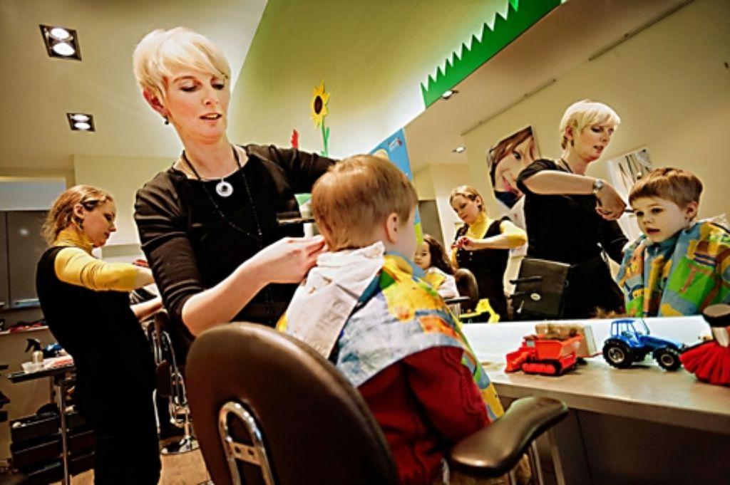 Bettina Kojzek tut mit jedem Haarschnitt etwas Gutes Foto: Heinz Heiss