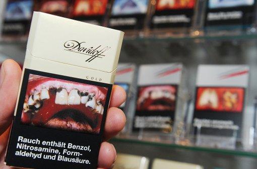 Abschreckung auf Zigarettenschachteln verzögert sich