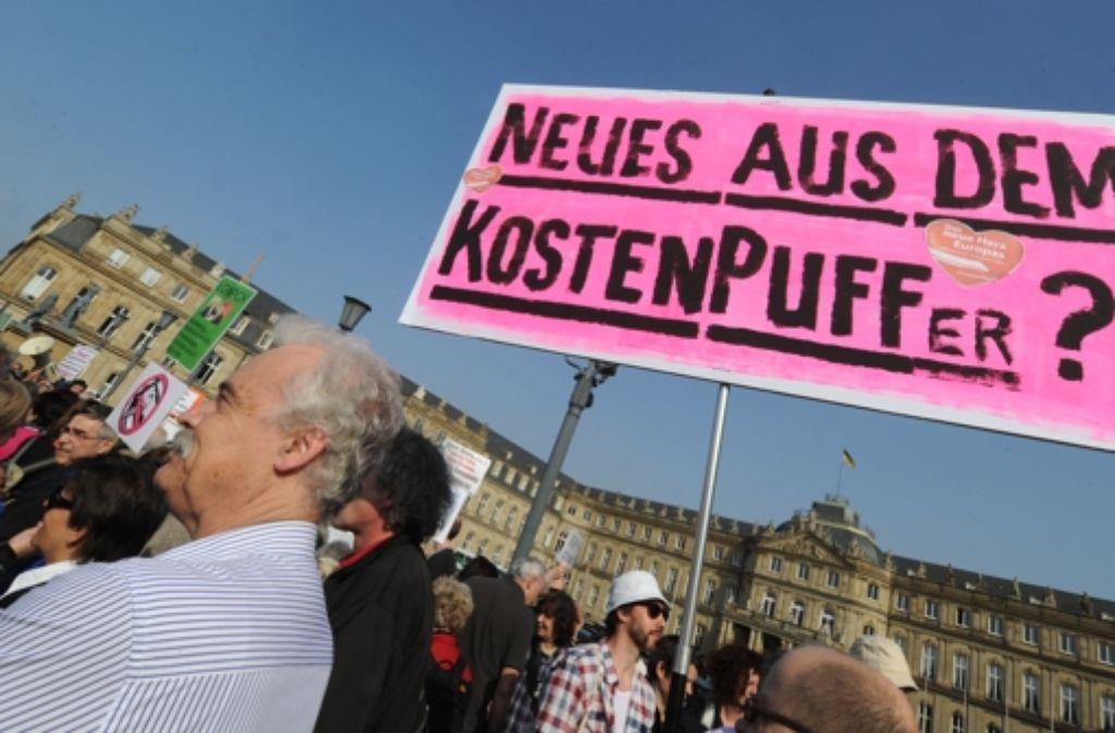 Am Rande der letzten Lenkungskreissitzung kam es zu Protesten. Foto: dpa
