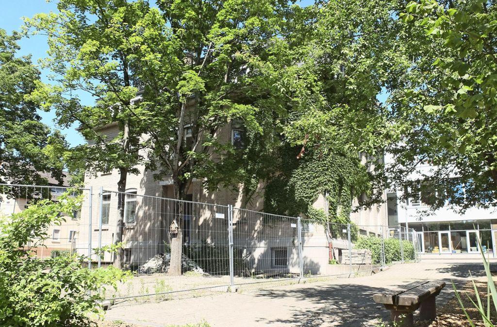 Für die Sanierung des alten Gebäudes musste die Stadt einen zweiten Bauantrag stellen. Foto: Frey