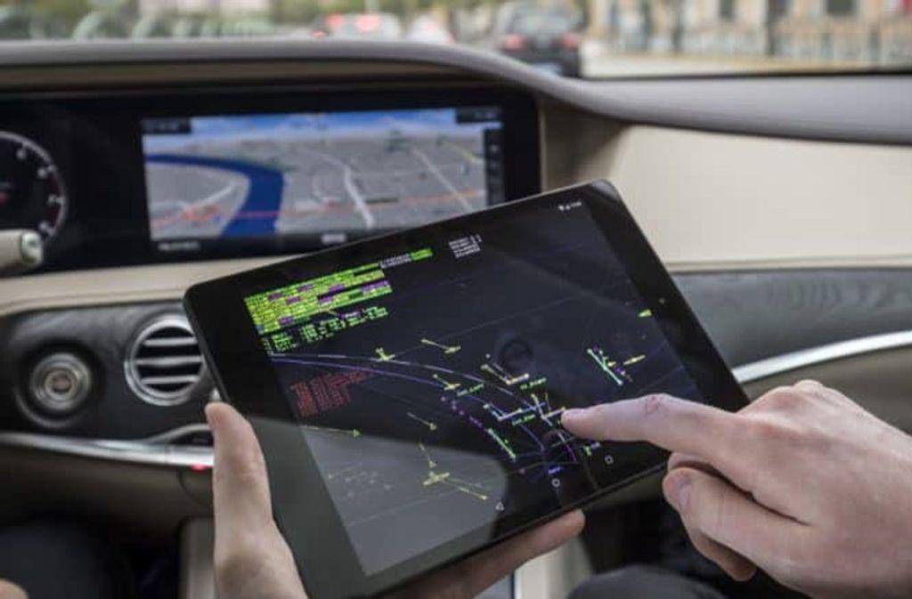 Trotz vieler öffentlichkeitswirksamer Praxistests: Ohne Simulationen kommt das autonome Fahren nicht voran. Foto: Daimler