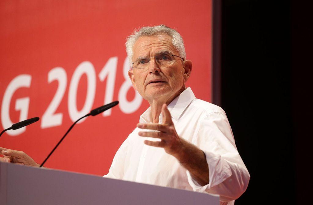 Präsident Wolfgang Dietrich bei der VfB-Mitgliederversammlung. Foto: Pressefoto Baumann