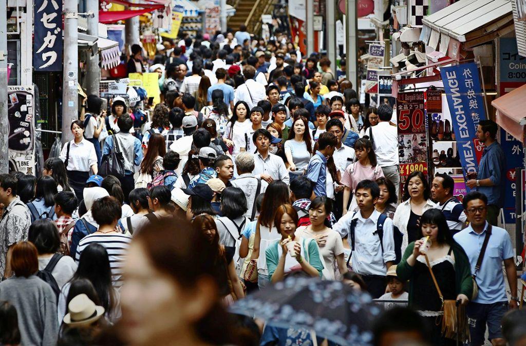 Die Zahl der Scheidungen hat sich in Japan seit 1970 verdoppelt, was Privatdetektiven viele Aufträge beschert. Foto: dpa/Yuya Shino