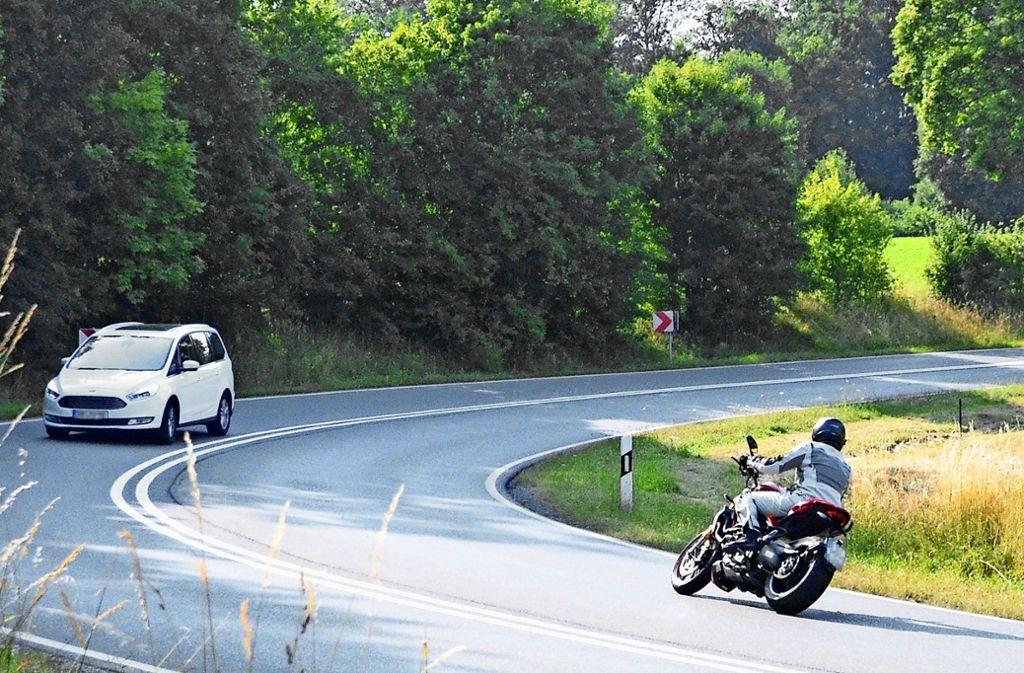 Einige Motorradfahrer nutzen die Magstadter Straße als Rennstrecke. Die Anwohner wünschen sich wirksame Maßnahmen gegen den Lärm der Raser. Foto: Sandra Hintermayr