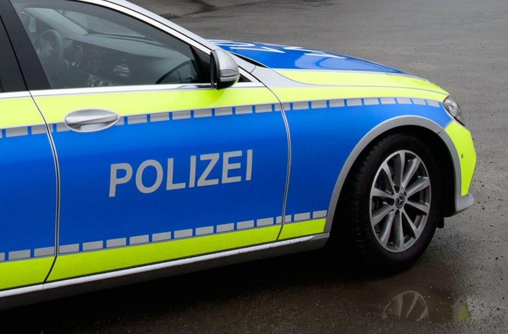Die Polizei habe Hinweise, dass der junge Mann schon Tage zuvor an einem anderen Ort gestorben sei. Foto: dpa