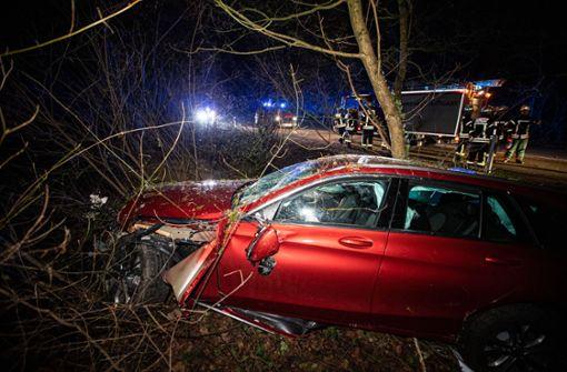 Betrunkene Autofahrerin verliert Kontrolle über ihr Auto