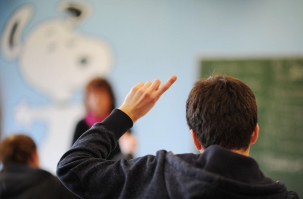 """Weil in dem grün-roten Bildungsplan 2015 die """"Akzeptanz sexueller Vielfalt"""" als eines der Ziele in der Schulerziehung festgeschrieben werden soll, haben bis zum Mittwoch fast 60.000 Menschen eine Online-Petition gegen das Vorhaben unterschrieben. Foto: dpa"""