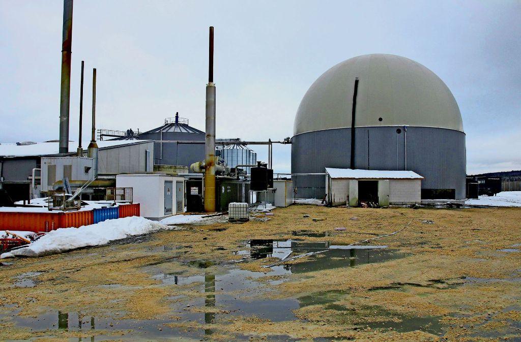 Aus der Leck geschlagenen Biogasanlage floss das Gärsubstrat in das Gewerbegebiet Engstingen-Haid samt der Hotelanlage. Foto: 7aktuell.de