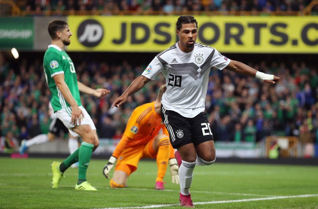 Serge Gnabry (re.) bejubelt das 2:0 des deutschen Teams gegen Nordirland Foto: Getty