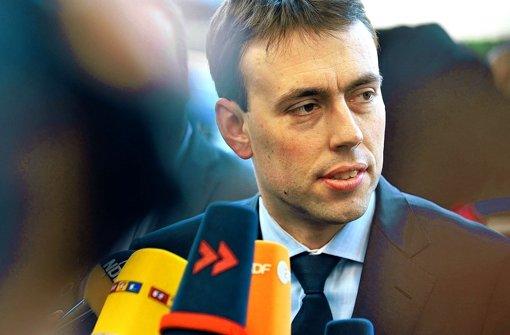 Der baden-württembergische Finanz- und Wirtschaftsminister Nils Schmid ist vom Erfolg des Großversuchs mit Elektrofahrzeugen im Südwesten überzeugt. Foto: ddp