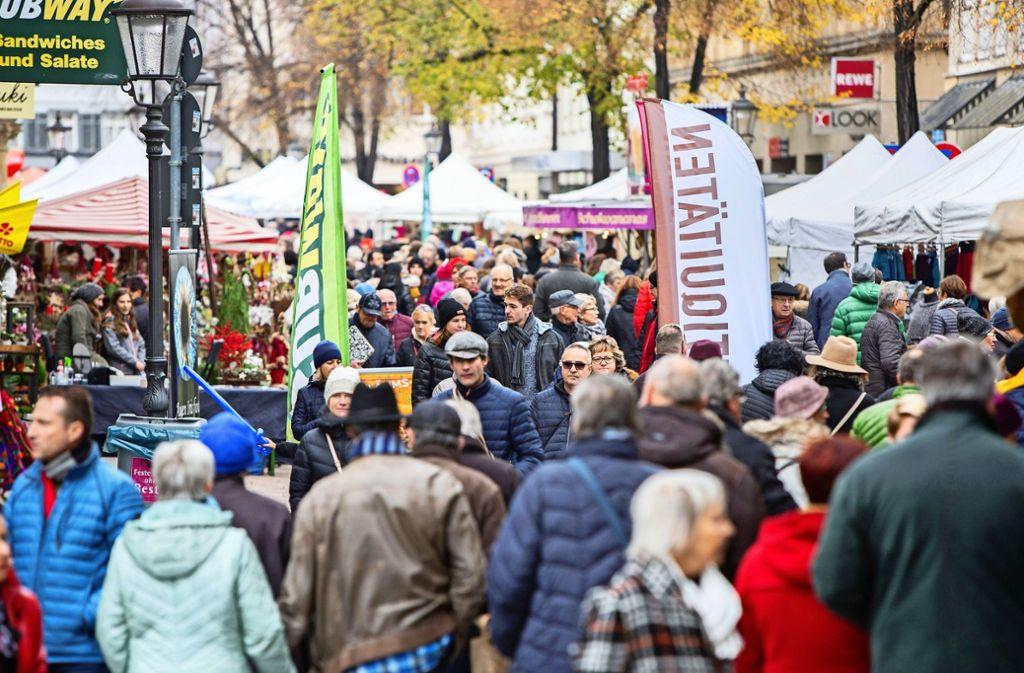 In der Ritterstraße gab es beim Verkaufsoffenen Sonntag kaum mehr ein Durchkommen – verständlich, wenn sich die Besucher in ruhige Ecken zurückzogen Foto: /Michael Steinert