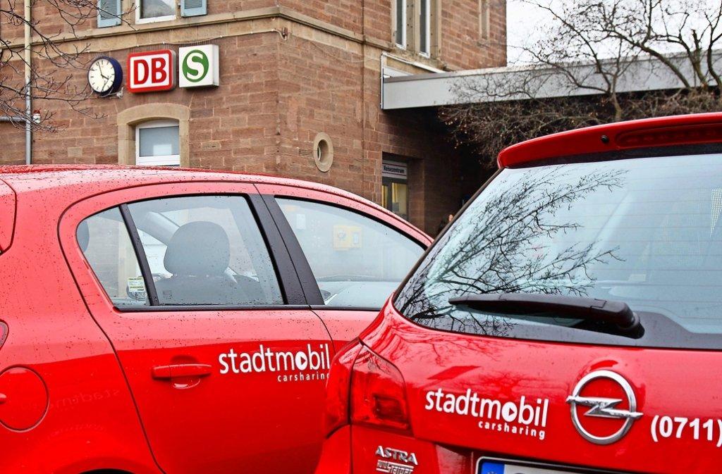 Am Korntaler Bahnhof stehen zwei Stadtmobil-Autos – ihre  Auslastung ist durchschnittlich. Foto: factum/Archiv