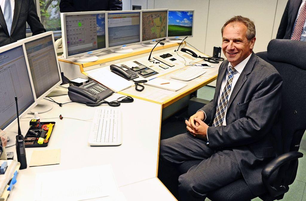Der damalige Innenminister Reinhold Gall (SPD) war vor fünf Jahren  bei der Einweihung des   Waiblinger Lagezentrums dabei. Foto: dpa