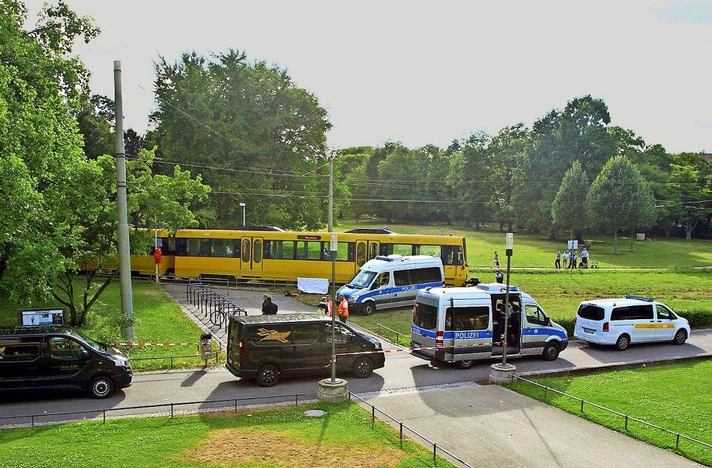 Die Unfallstelle am Cannstatter Kursaal: Wie gefährlich ist der Gleisüberweg? Foto: 7aktuell.de/Sven Adomat
