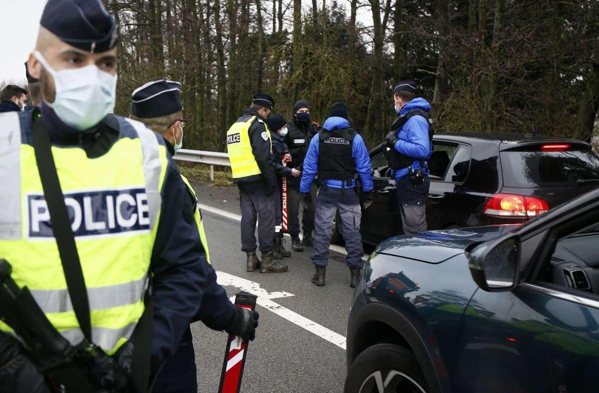 Frankreich will seine Corona-Beschränkungen ab Mai lockern. Foto: dpa/Michel Spingler