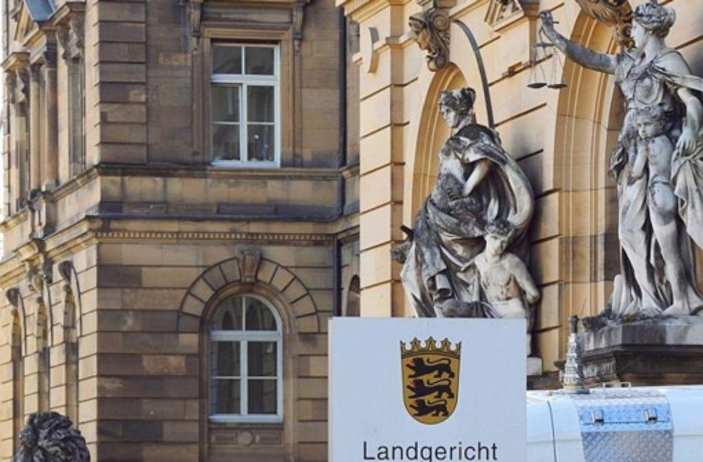 Am Landgericht Ulm hat ein Prozess gegen einen mutmaßlichen Drogenhändlerring begonnen. Foto: dpa