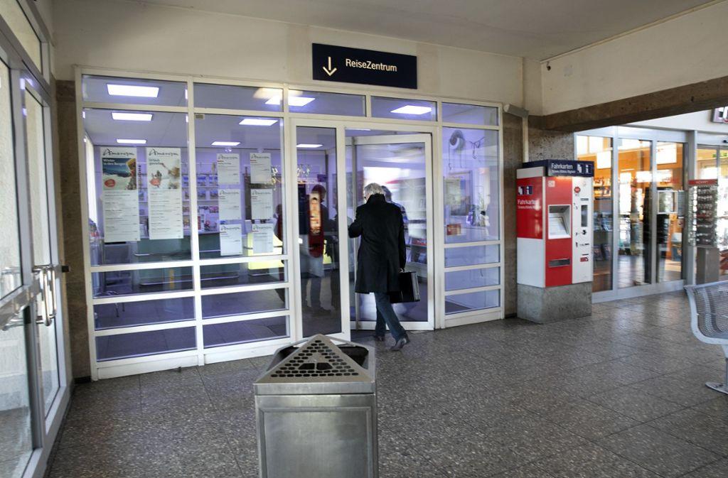 Das Reisezentrum in Nürtingen wurde von Einbrechern heimgesucht. Foto: Pressefoto H. Rudel