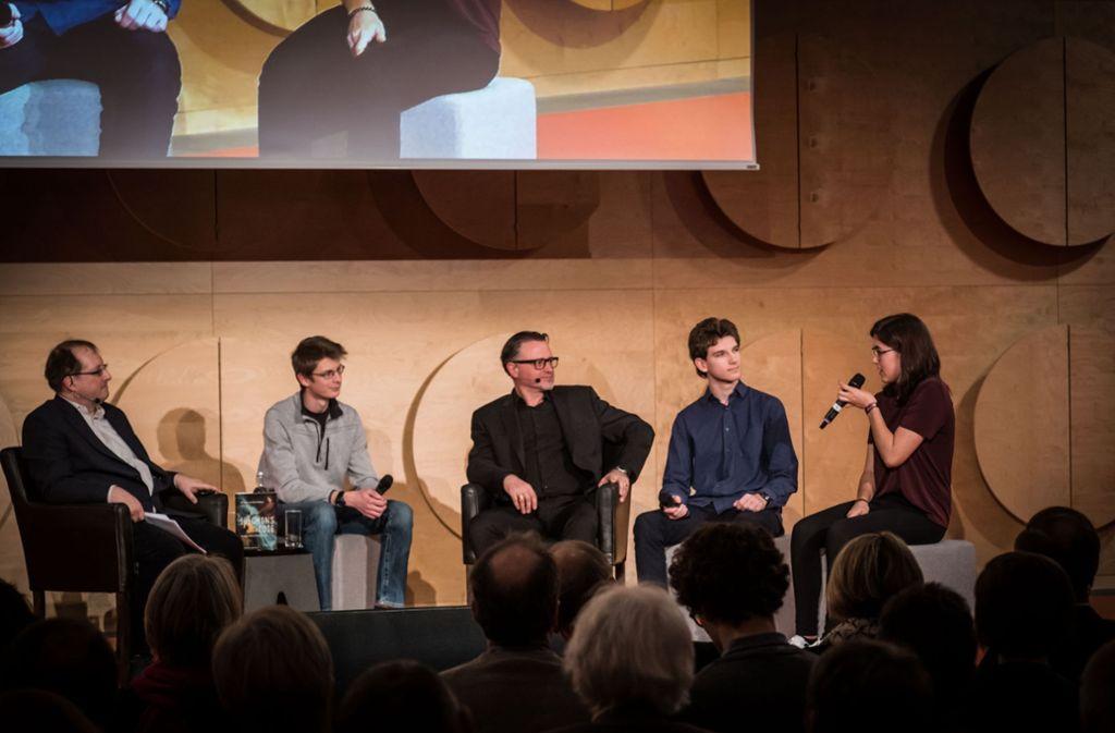 Die Schüler diskutierten natürlich auch auf der Bühne mit. Foto: Lichtgut/Achim Zweygarth