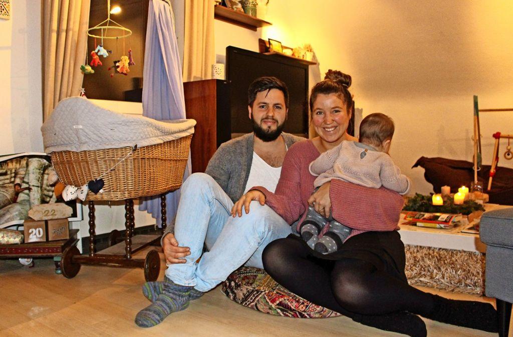 Seit Hansjörg und Nele Auch-Schwarz Nachwuchs bekommen haben, reicht ihre Dachgeschosswohnung in Echterdingen nicht mehr aus. Foto: Caroline Holowiecki
