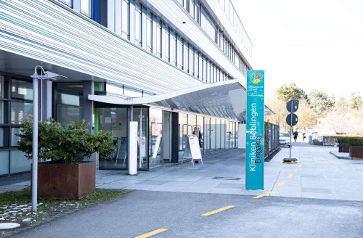 Von Montag an gestattet der Klinikverbund nur noch einen Besucher pro Patient Foto: Stefanie Schlecht