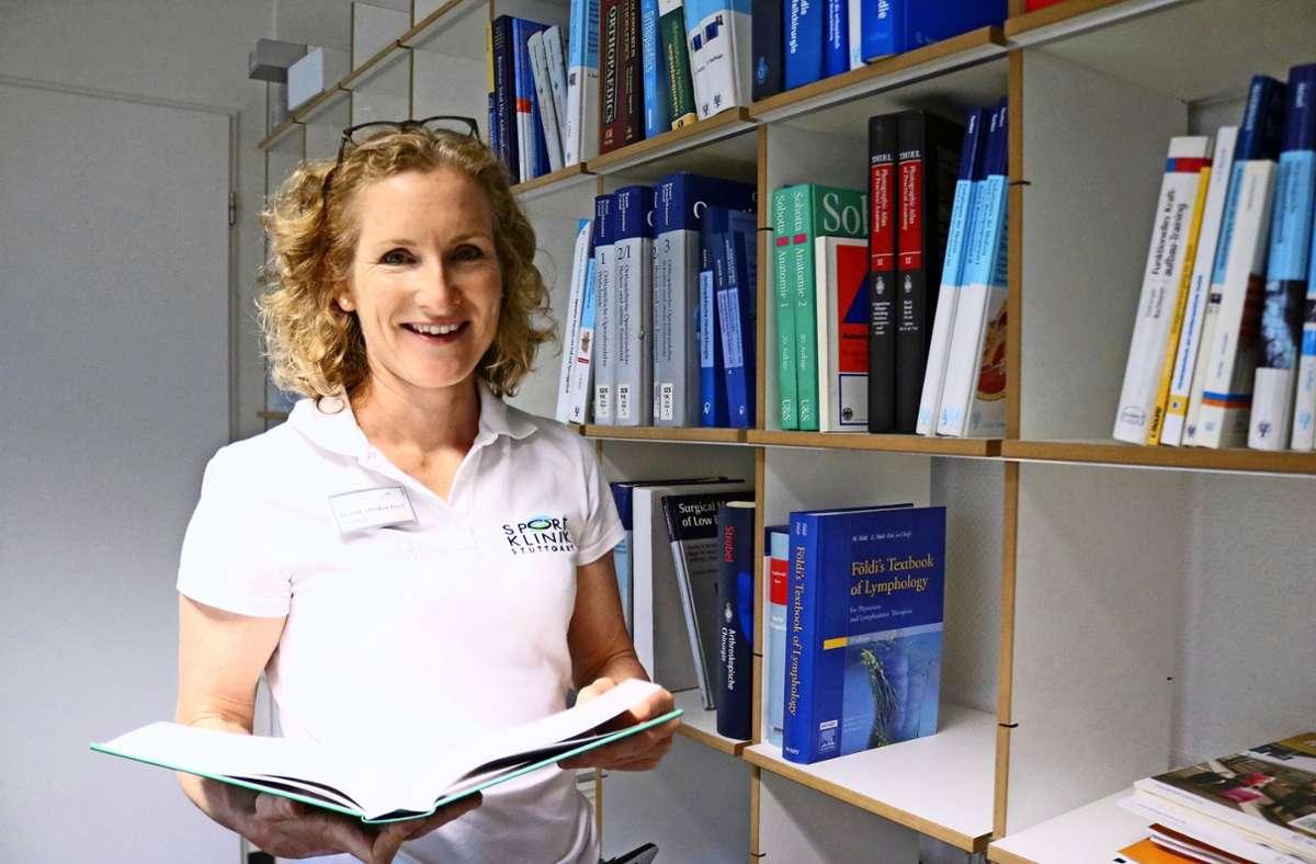 Die Sportmedizinerin Christine Krauß   begleitet als Disziplinärztin die Gymnastinnen auch zu internationalen Wettkämpfen und Meisterschaften. Foto: Eva Herschmann