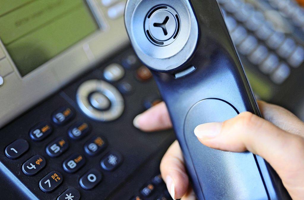 Ein  Telefon, das nicht funktioniert,   ist in einer  Praxis  ein großes Problem. Foto: dpa/Marc Müller