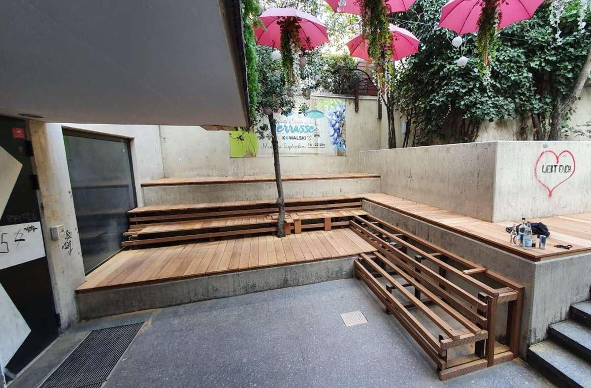 Die Terrasse des  Clubs Kowalski: Kann im Freien geöffnet werden im Sommer? Foto: Kowalski