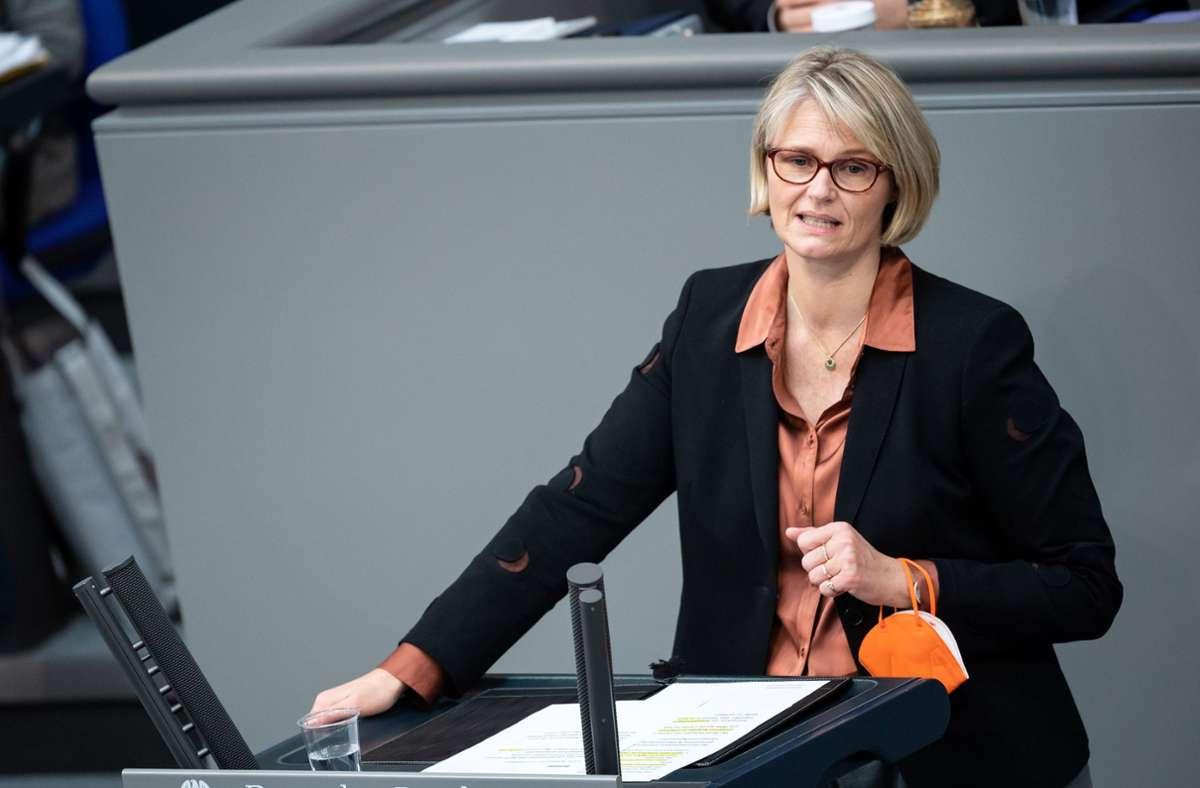Bundesbildungsministerin Anja Karliczek möchte die junge Generation schnell impfen. Foto: dpa/Bernd von Jutrczenka