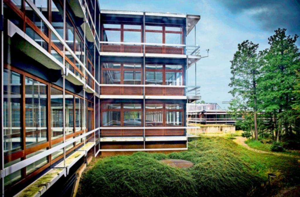 Die Zukunft der denkmalgeschützten Gebäude von Egon Eiermann ist ungewiss. Der Insolvenzverwalter stellt die Zahlungen für Schutz und Erhalt ein. Foto: Achim Zweygarth