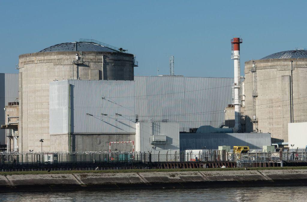 Frankreichs ältestes Atomkraftwerk steht am Rhein: Fessenheim. Foto: dpa
