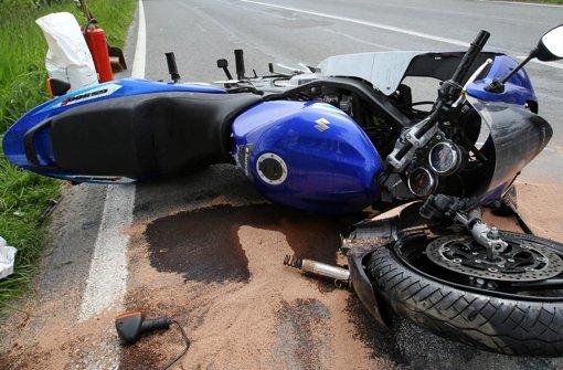 Motorradfahrer bei Stürzen verletzt