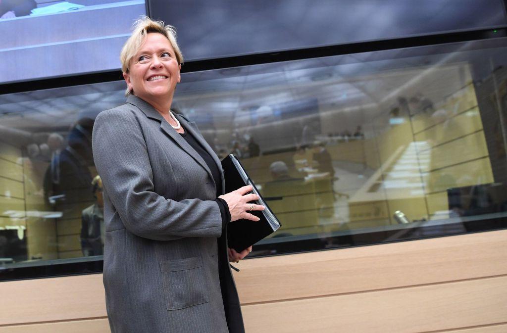 Die baden-württembergische Kultusministerin Susanne Eisenmann (CDU) will im Streit um die Rechtsschreibung neue Vorgaben machen. Foto: dpa