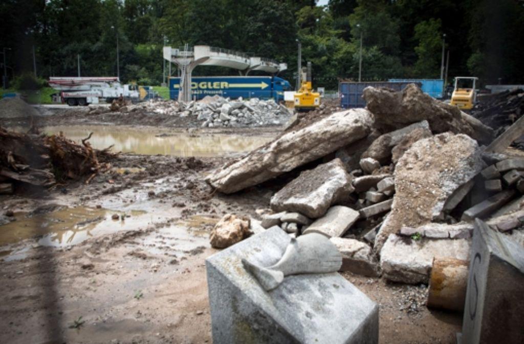 Baustelle für den S21-Rosensteintunnel  auf Höhe Wilhelma. Die Suche nach geeigneten Flächen zur Kompensation von Versiegelungen ist schwierig. Foto: Achim Zweygarth