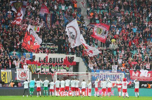 VfB-Fans schmuggeln Stinkefinger-Choreo ins Stadion