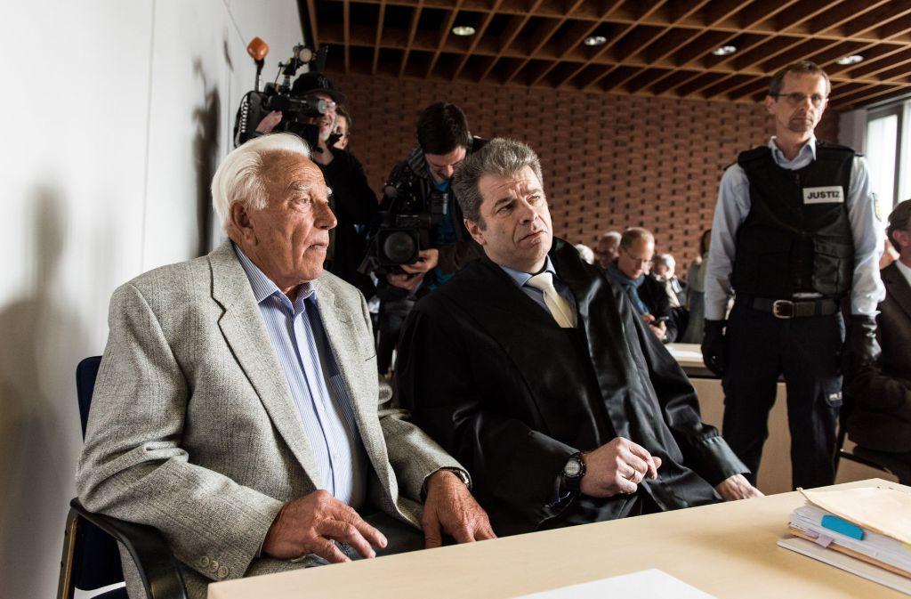 Bei der Irrfahrt des 85-jährigen Verurteilten im vergangenen Jahr sind zwei Menschen ums Leben gekommen. Foto: dpa
